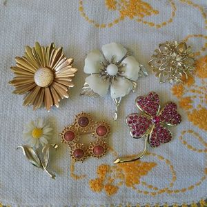 Vintage Flower Brooches Lot of 6